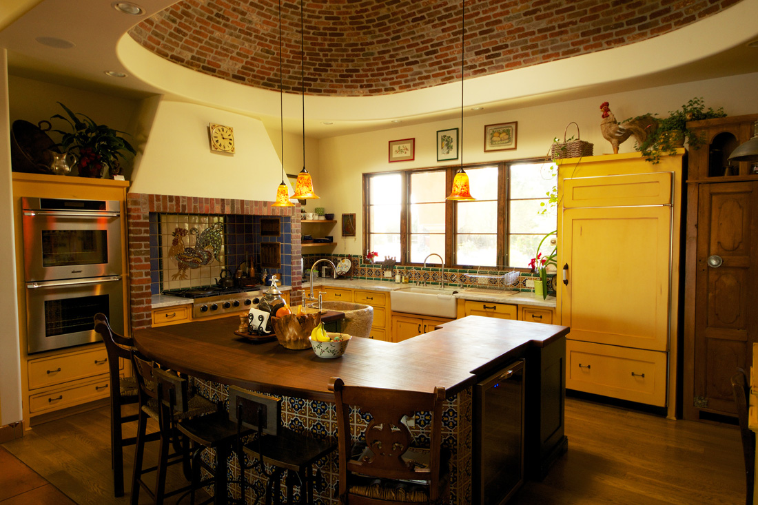 Mexican hacienda in yuma for Mexican style kitchen pictures