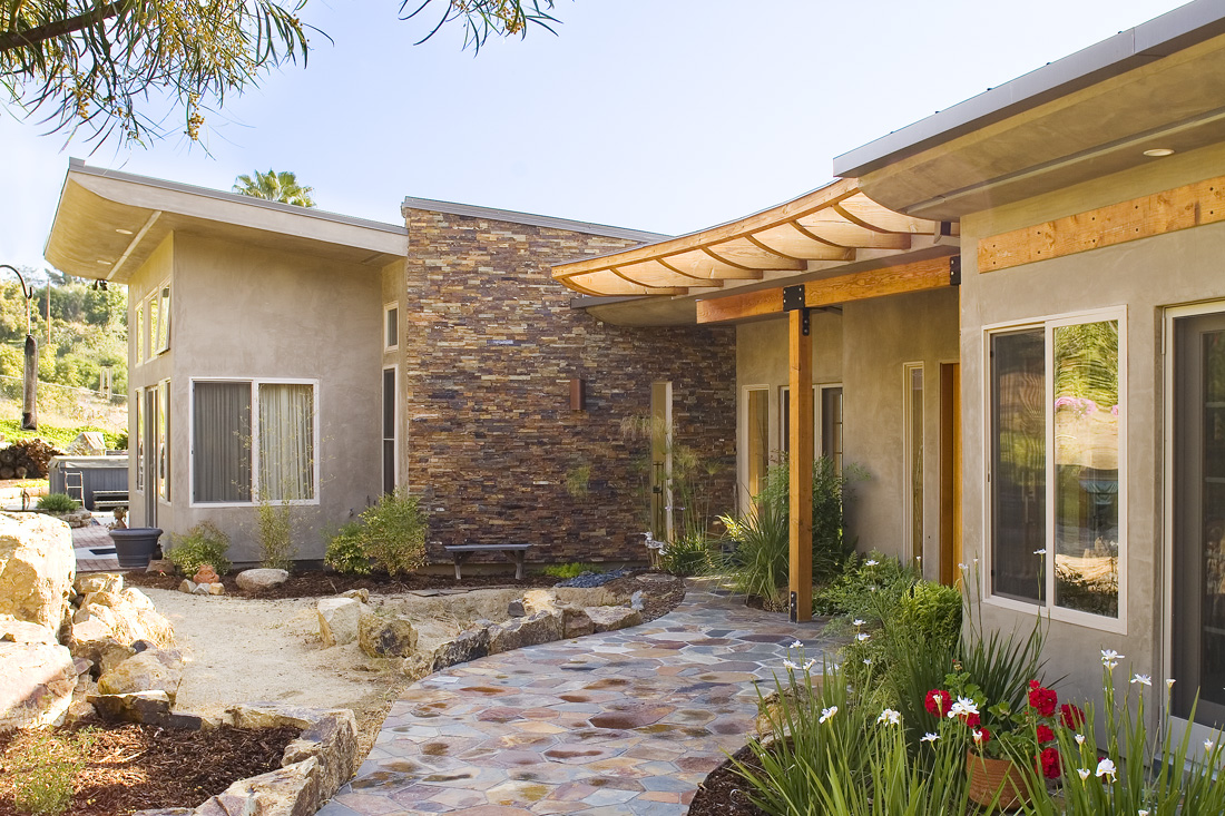 South facing windows and overhangs on Bridged Courtyard Residence.
