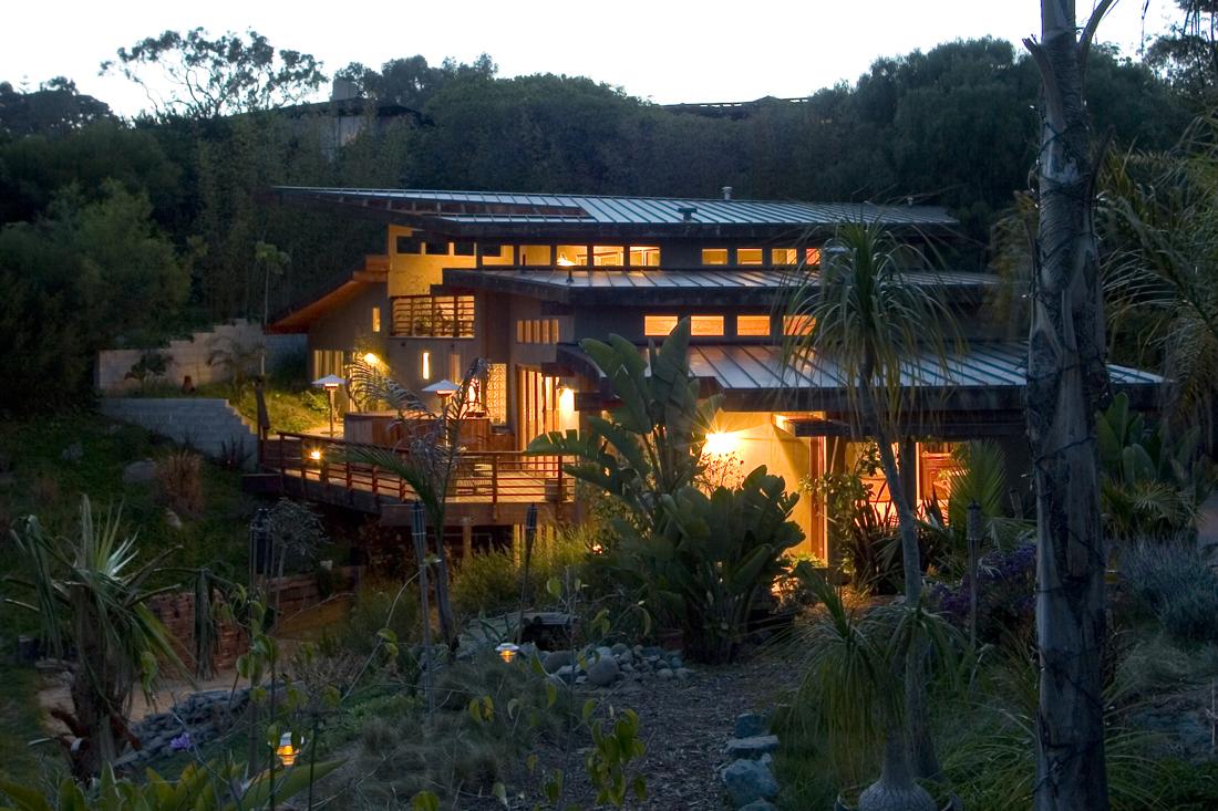 House overlooking canyon.