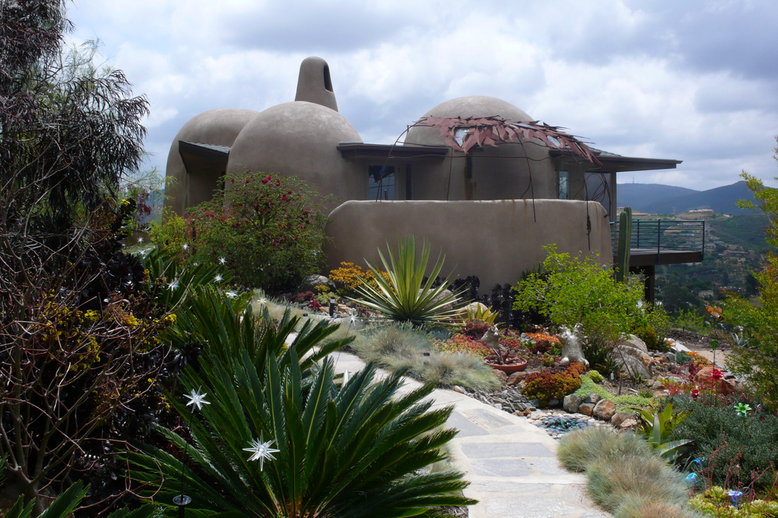 House with drought-tolerant landscaping. Photo by Richard Olsen.